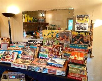 So many vintage toys and games.