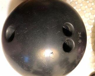 Non descriptive bowling ball for a man