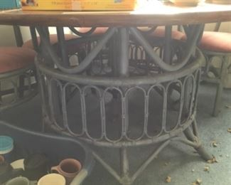 Bottom of round dining table