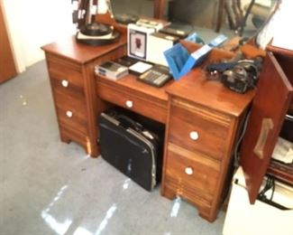Items on dresser