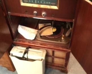 Vintage record player & radio