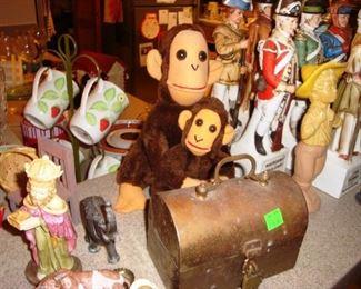 Knick Knacks & Stuffed Animals