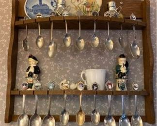 Satsuma 22K Plate with Souvenir Spoon Shelf