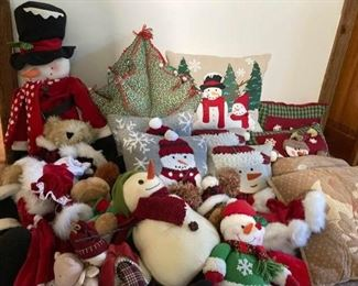 Snowman Decor and Pillow Lot