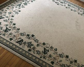 $30 / Large cream rug with ivy border 8 x 10 (needs a steam cleaning since some faint marks on it)