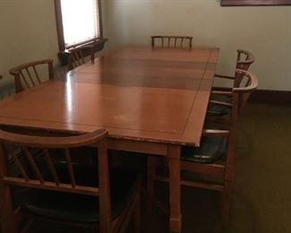 Mid- Century dining table 60 x 42 with 3 leaves....extends to 8'