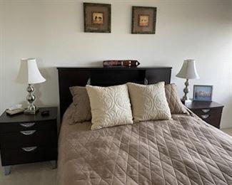 VERY NICE FULL/QUEEN  BED  WOOD BEDROOM SET,  MATTRESS, BOXSPRING