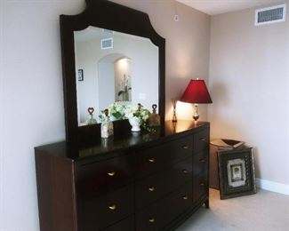 THOMASVILLE LARGE DRESSER, BRASS KNOBS, DOVETAIL JOINTS, EXQUISITE