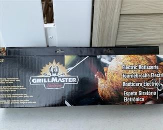 CLEARANCE!  $3.00 NOW, WAS $12.00.............Grill Master Electric Rotisserie (B118)