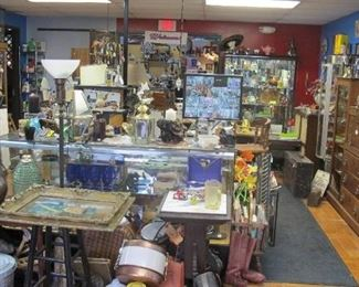 Online Auction - Six Corners Antiques Mall (Fowlerville, MI) is closing.  Bid online November 19 - 23 at NarhiAUCTIONS.com.