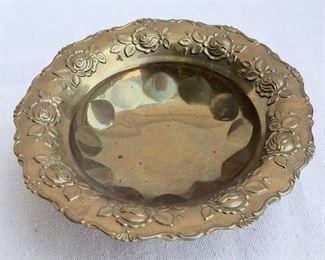 """$20 - Brass bowl, wide rim, 3 feet.  H: 2""""   diameter: 7""""  [Bin 7B]"""