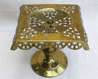 """$20 - Brass stand w/ round pedestal. Replacement base?  L: 9""""   W: 9""""   H: 8.5""""   Diam: 5.5""""  [Props]"""