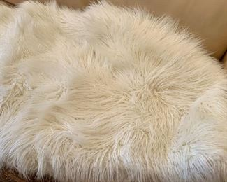 "$20 - Nordstrom at Home Faux Fur White Shag Blanket, approx 72"" x 108"""