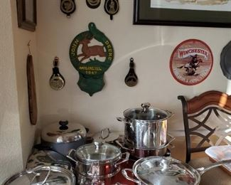 SET of LIKE NEW COOKWARE