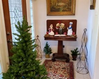 ANTIQUE EMPIRE FLIP TOP GAME TABLE, SMALL CHRISTMAS TREE, TABLE TOP FIBER OPTIC TREE, FLORAL RUG