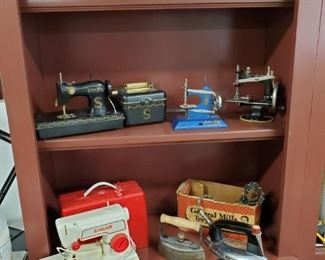 ANTIQUE & VINTAGE SEWING MACHINES & IRONS