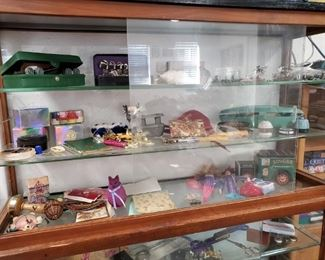 DISPLAY CASE WITH  SEWING NOTIONS