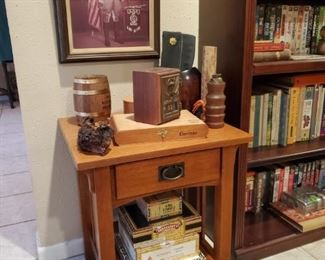 SMALL MISSION STYLE OAK LAMP TABLE