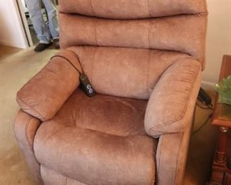 Like new electric lift chair