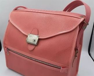Venture luggage set 1966 like new in hot pink!