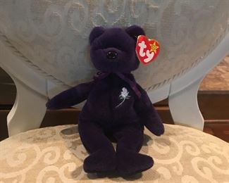 """Highly collectible """"Princess Di"""" beanie baby!  Mint condition"""