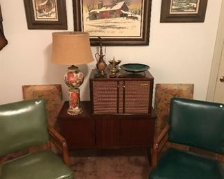 Fabulous MCM chairs, lamps and art!