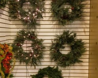 Several wreathes!