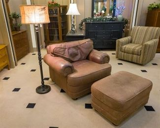 Leather chair & Ottoman, floor lamps!
