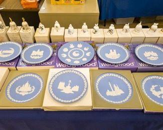 16 Wedgewood Christmas Plates