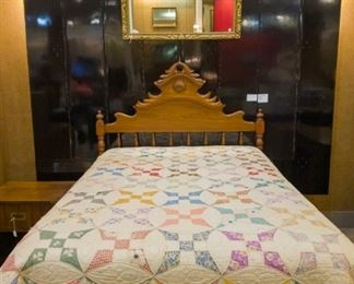 Beautiful Quilt and antique bed (3/4 size)