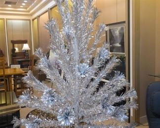 Aluminum Christmas Tree with Color Wheel!