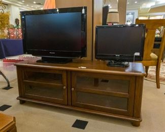 Another nice TV Stand! TV'S!