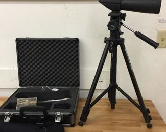 Leupold Wind River Spotting Scope + stand and case in great shape!