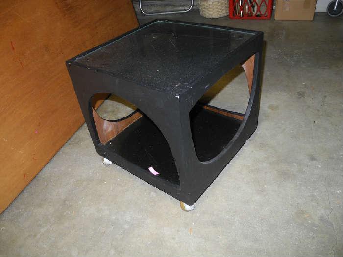 Groovy 70's cube table