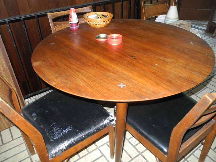 Nice mid-century table, chairs not in good condition.