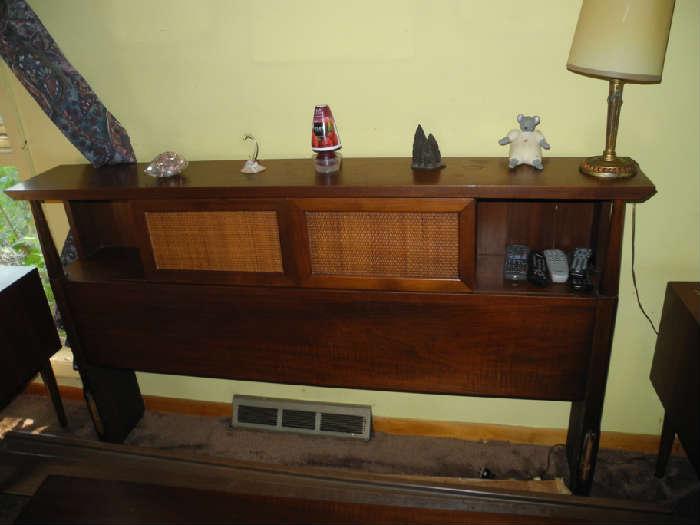 Headboard for mid-century bedroom set