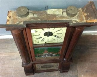 ANTIQUE NEW HAVEN 8 DAY CLOCK W KEY