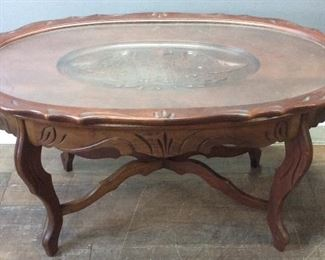 VTG. EAGLE CARVED COFFEE TABLE W