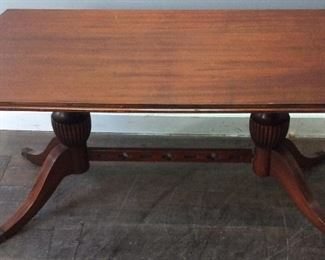 VINTAGE CLAWFOOT COFFEE TABLE W GLASS TO