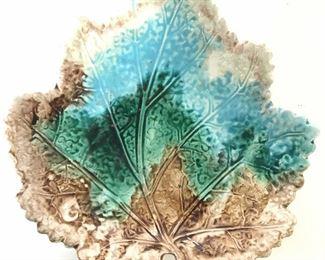 Antique MAJOLICA Porcelain Cabbage Leaf Platter
