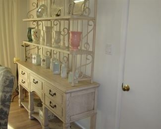 Stunning Lane Hutch