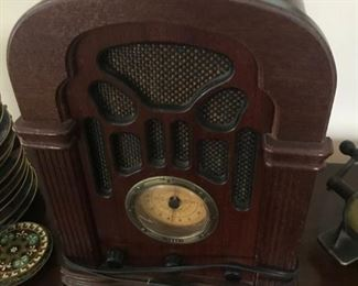 Antique Thomas Radio $ 48.00