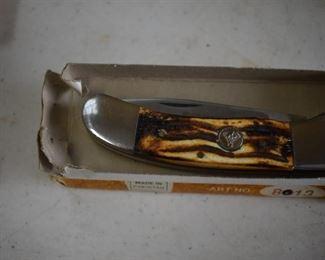 White Tail Cutlery Pocket Knife Art #8013