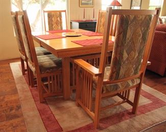 """Mission Style Oak dinning room 44"""" X 65"""" Table, 6 Chairs 2 18"""" Leaves Extends 101"""" $900.00"""