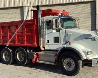 2009 Kenworth T8 Dumptruck