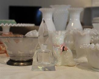 FENTON CAT, GLASS BOWL W/STERLING BASE