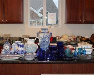 BLUE/WHITE DISHWARE, BLUE DISH SET