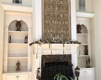 Double fireplace. Metal screen on bottom and resin screen on top