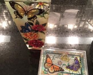 Amia lovely butterflies matching vase and trinket box