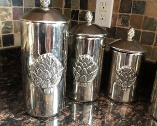 Metal canisters